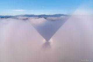 L'ombra del globus que em porta en el seu vol.